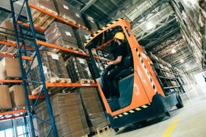 Transporte de carga industrial: 5 cuidados que você deve considerar