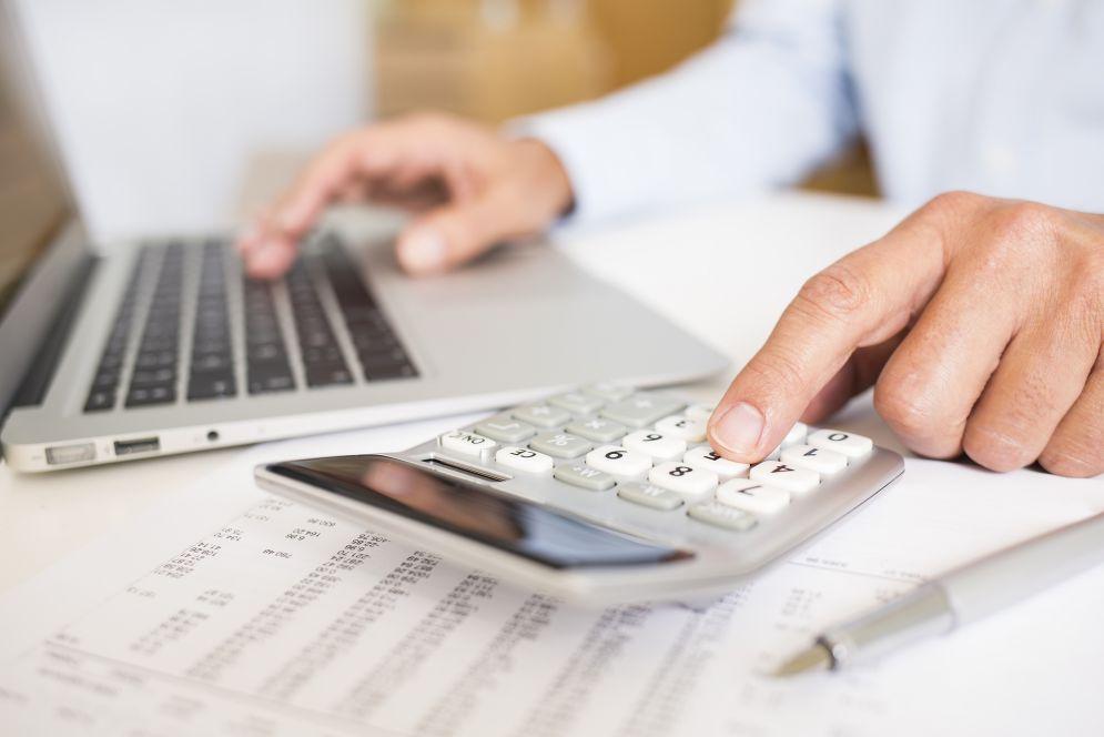 A locação de um galpão lonado pode ajudar a empresa a reduzir custos?